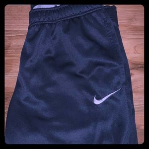 Nike therma fit joggers